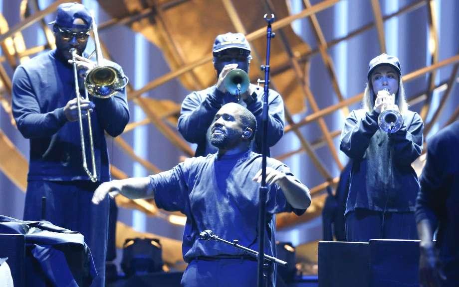 Novo projeto de Kanye West, 'Jesus Is Born' estreia em alta na Billboard