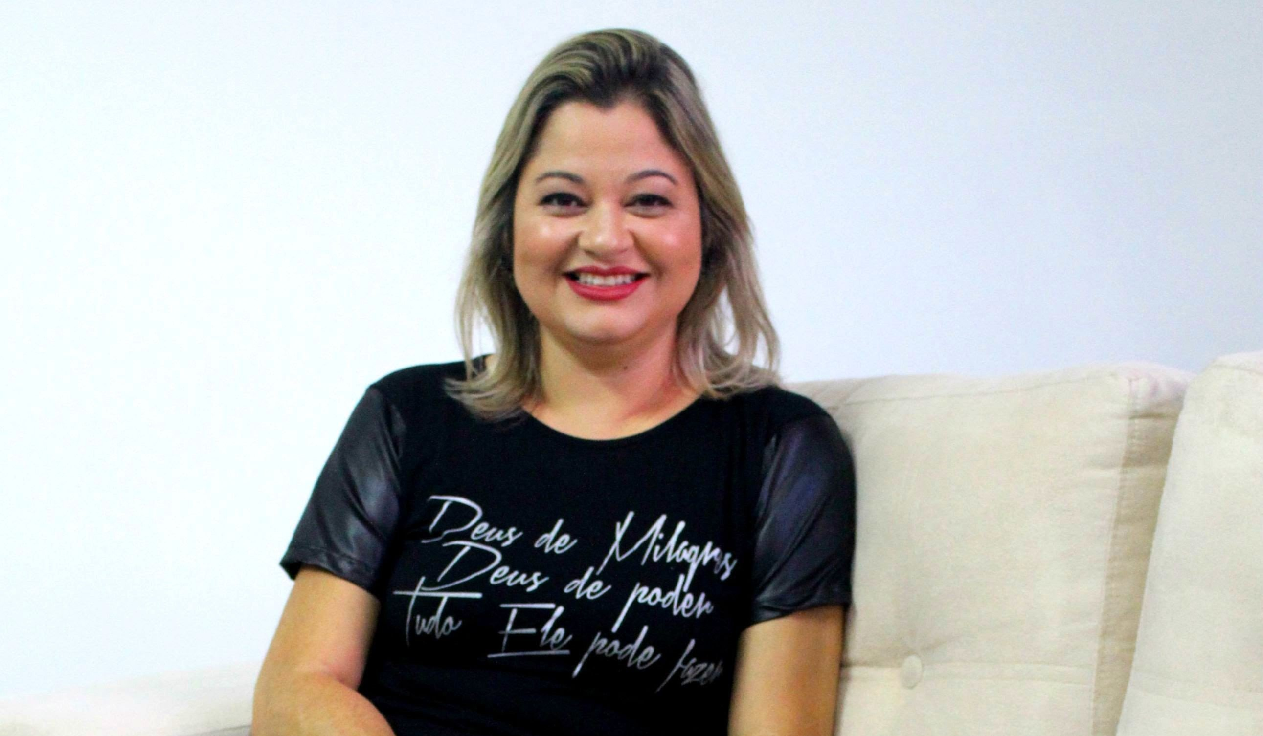 Leila Francieli inicia 2020 com o lançamento do single