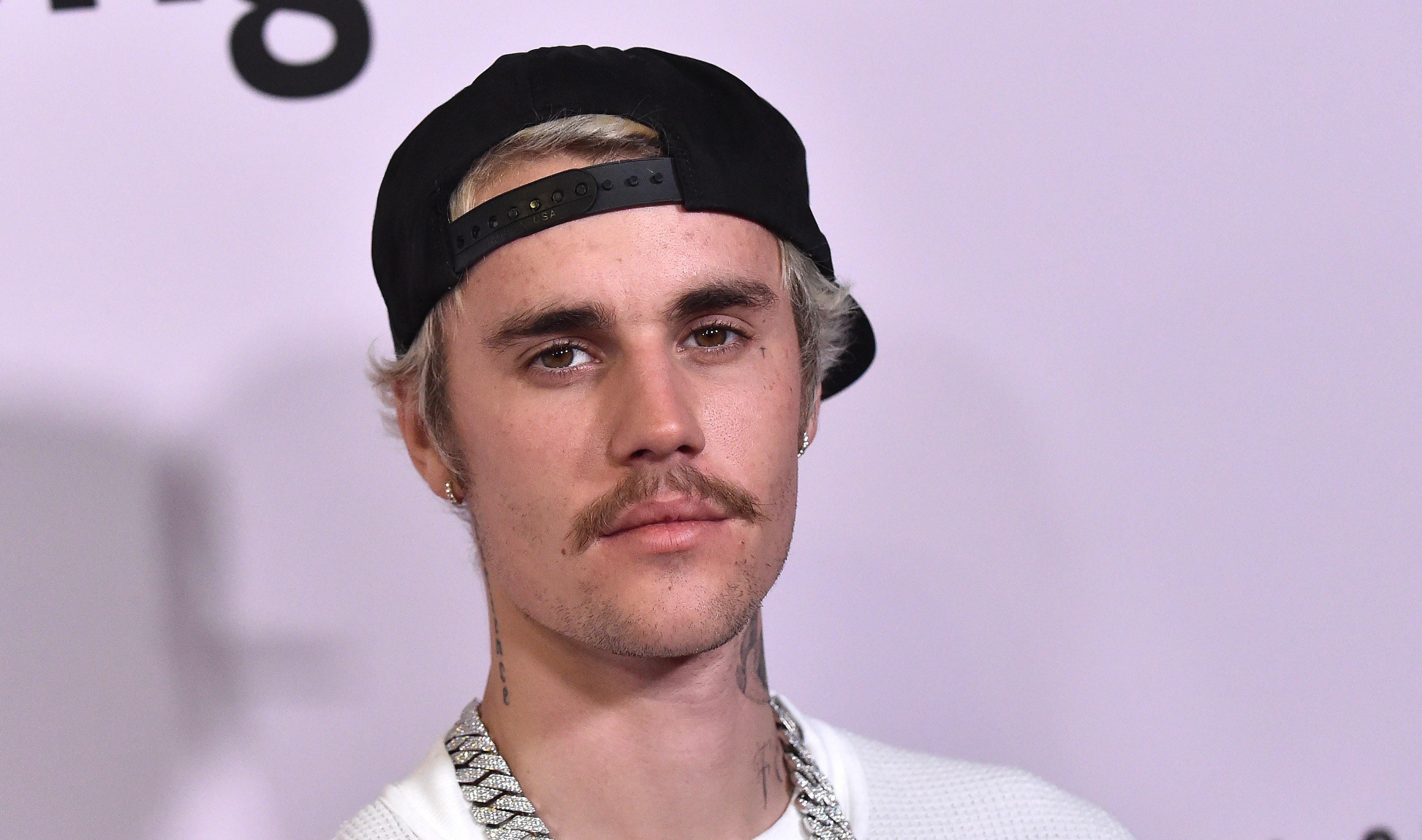 Justin Bieber diz que hoje entende a graça e não tenta