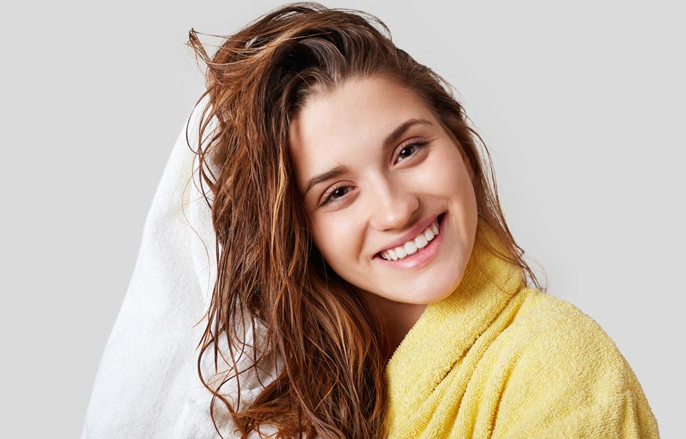 Rotina de cuidados para ajudar o cabelo a crescer