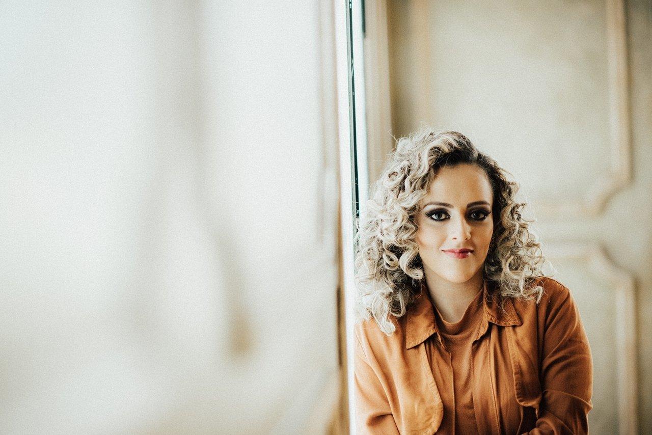 Gabi Sampaio prepara turnê pela Europa