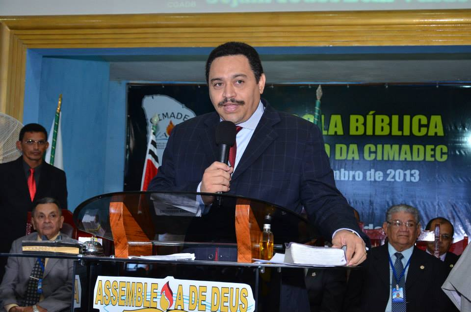 Morto por Covid-19, pastor havia cedido vaga em UTI a pacientes mais graves em Fortaleza