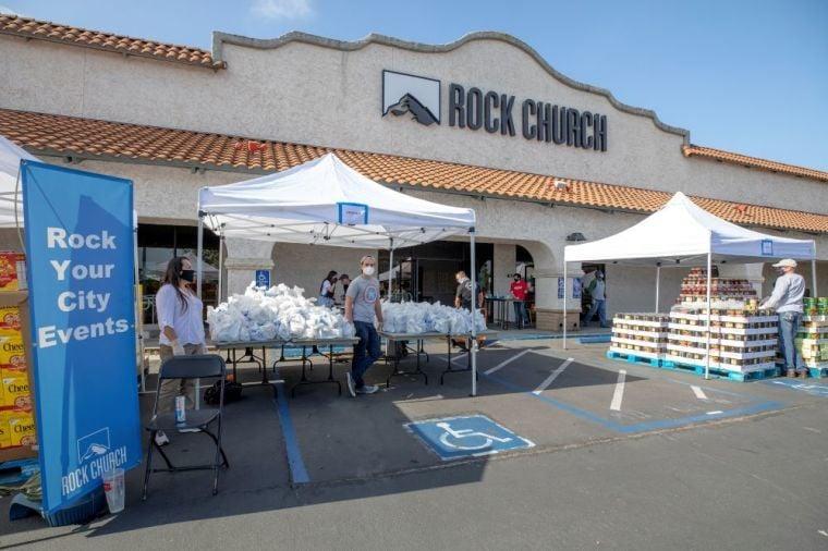 Igreja ajuda a distribuir 24 toneladas de mantimentos durante pandemia nos EUA