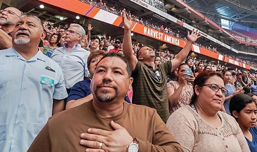 Igreja diz que 31.000 pessoas se entregaram a Jesus em cultos online na quarentena