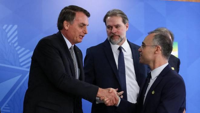 Bolsonaro reforça plano de indicar evangélico ao STF e cogita nome do ministro da Justiça