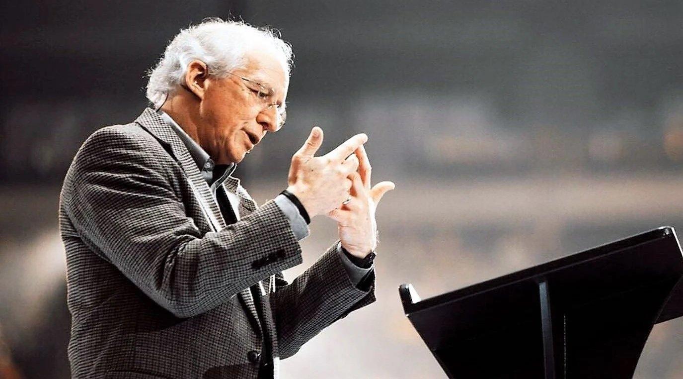 'Uma vida não desperdiçada é aquela que reflete a glória de Deus', diz John Piper