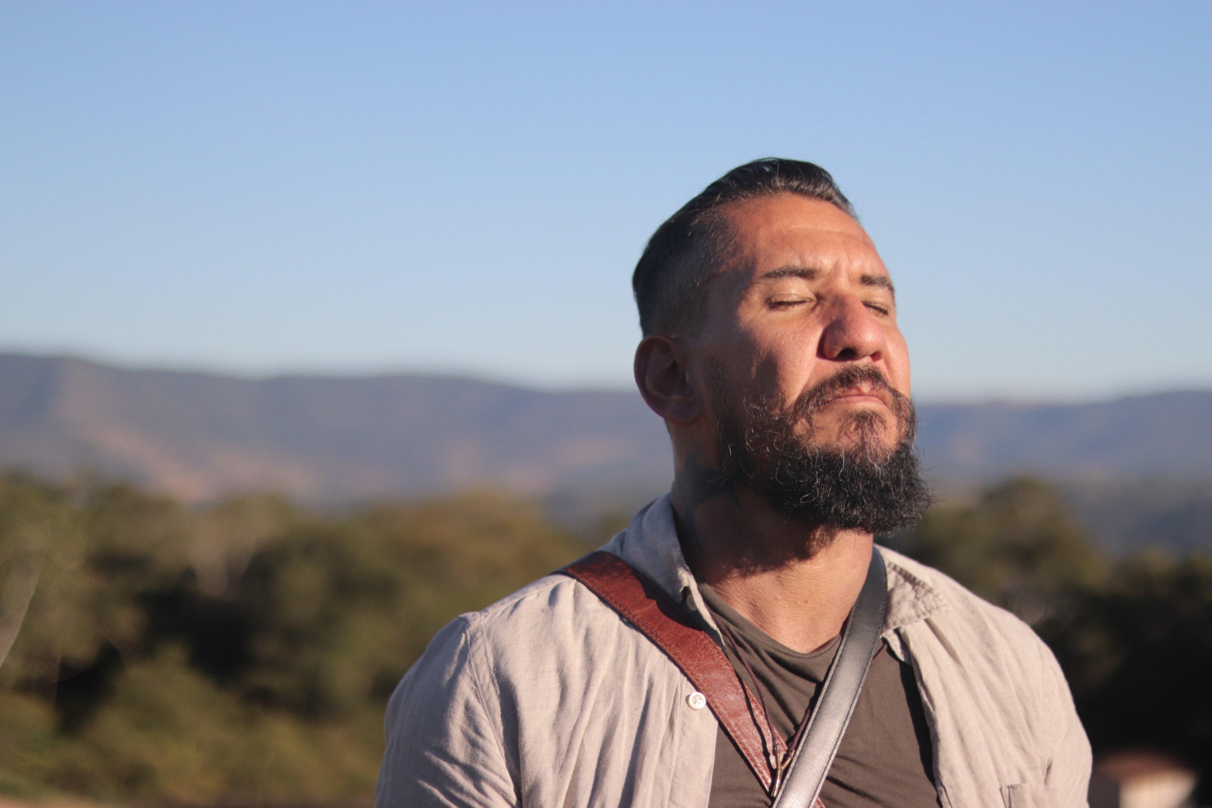 Rodolfo Abrantes lança o clipe