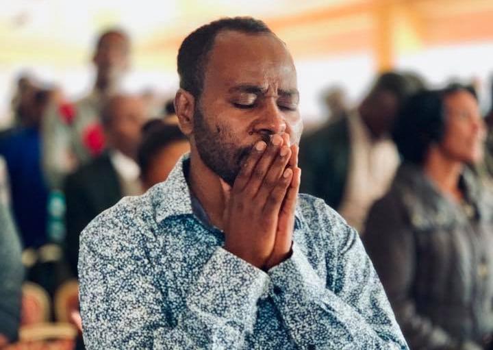 Homem ressuscita na Etiópia após oração e 25 testemunhas aceitam Jesus