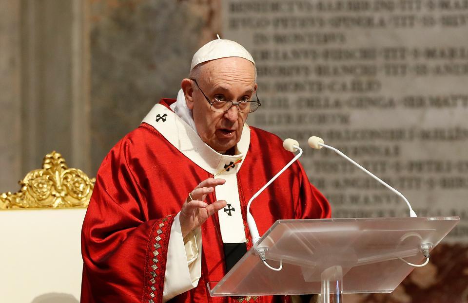 Papa omite críticas à perseguição religiosa em discurso sobre a China