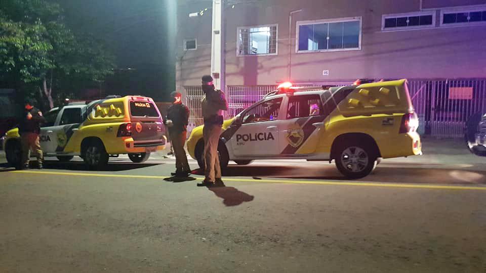 Igreja tem culto online interrompido por policiais em Curitiba