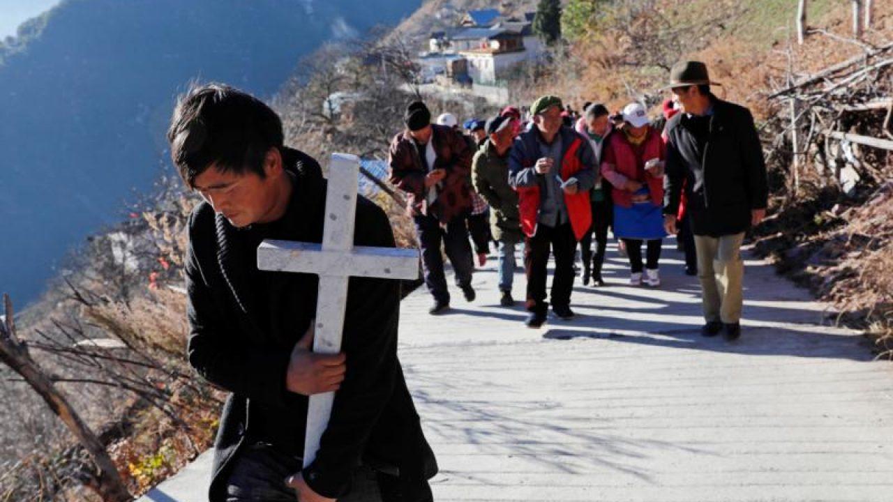 """""""É o Partido Comunista que politiza a liberdade religiosa, não os cristãos"""