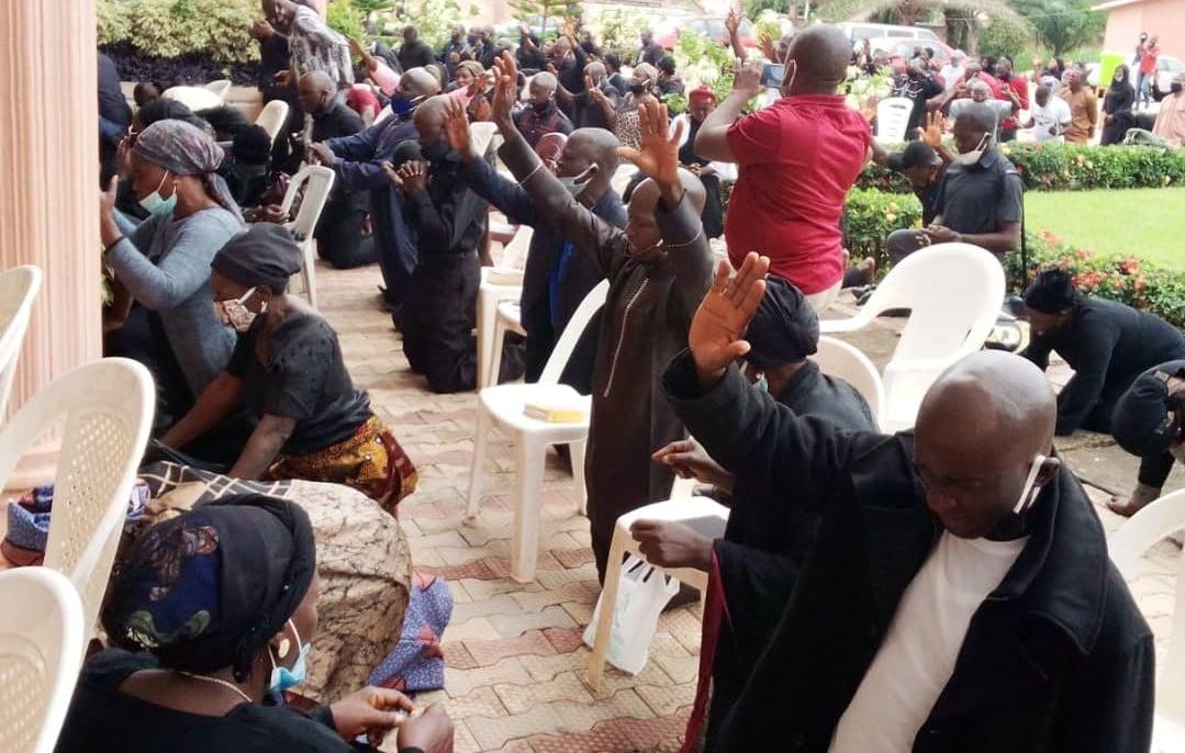 Celebridades nigerianas fazem campanha pelo fim dos assassinatos em massa de cristãos