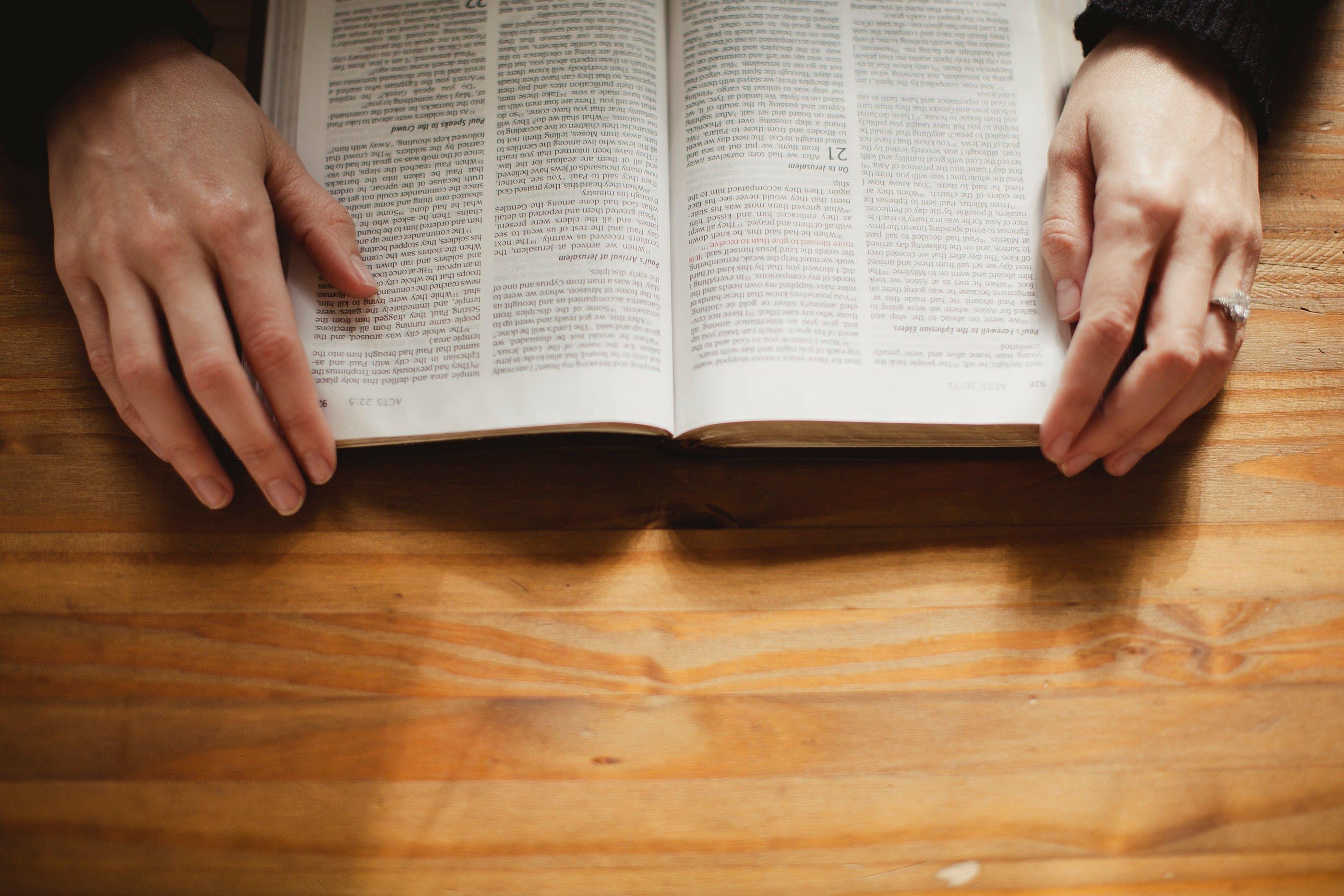 Pastor mostra como vencer pensamentos de medo usando a palavra de Deus