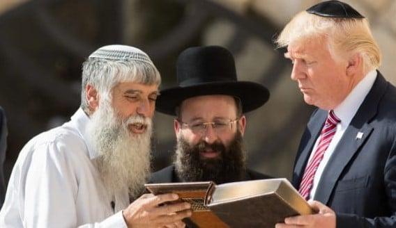 Trump telefona para rabinos e diz que judeus são