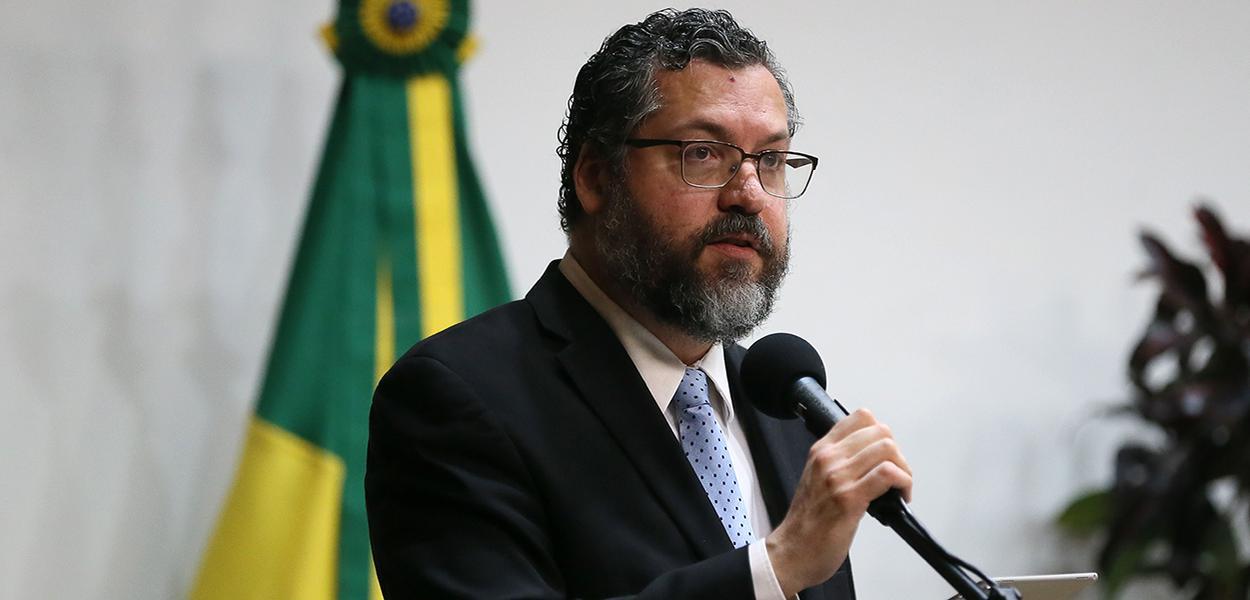 Ernesto Araújo celebra amizade entre Brasil e Israel: