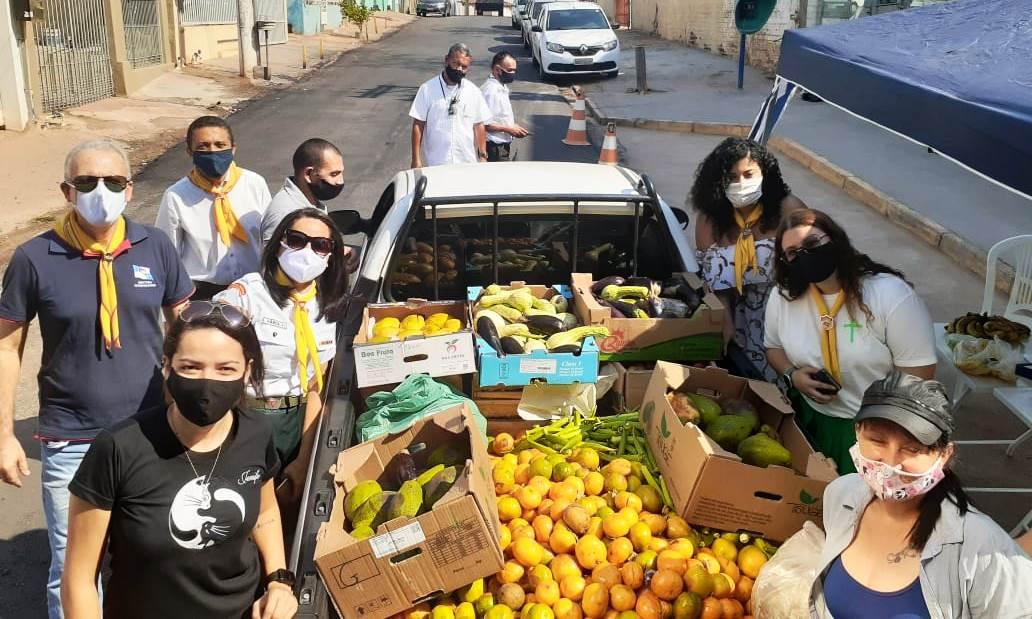 Igreja arrecada frutas e verduras para salvar animais do Pantanal