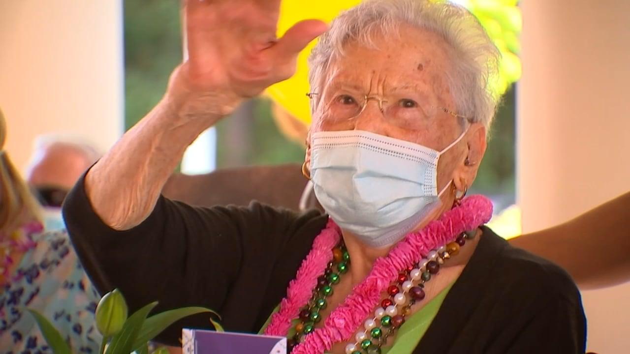 """Aos 107 anos, idosa prega o Evangelho e aconselha: """"Tenha uma vida espiritual forte"""""""
