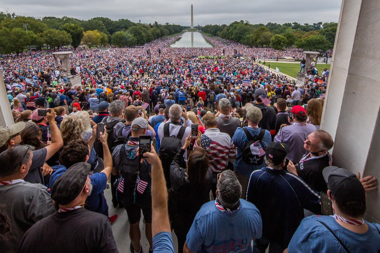 """Milhares de pessoas vão a Washington para orar pela nação: """"Precisamos de cura espiritual"""""""