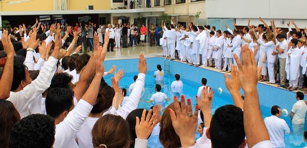 O Evangelho está se espalhando no Irã mais rápido que a Covid-19, diz missionário local