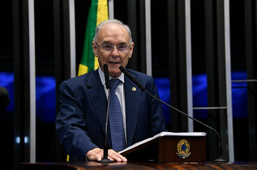 Morre o senador Arolde de Oliveira, proprietário do Grupo MK