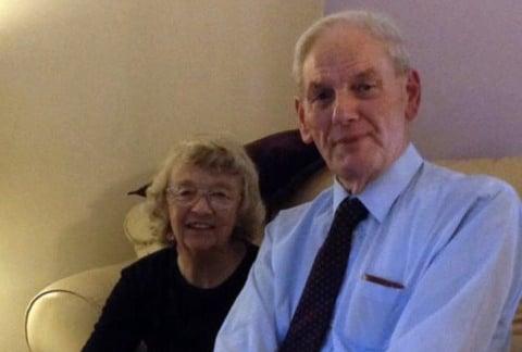 Líder de igreja morre como herói ao salvar mulher de ataque com facas, no Reino Unido