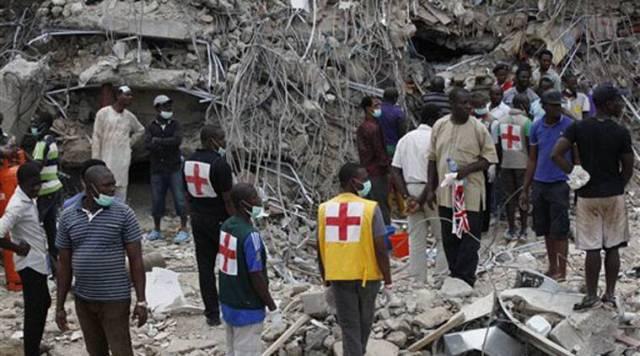 21 pessoas morrem e dezenas estão sob escombros de igreja que desabou em Gana