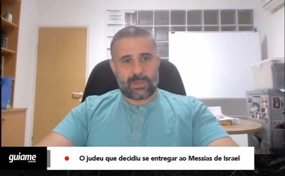 """Judeu se entrega a Jesus após 5 anos estudando a Bíblia: """"Ele é o Messias de Israel"""""""