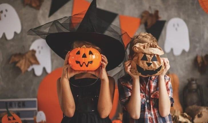Halloween induz mentalidade de ocultismo nas crianças, diz Lamartine Posella