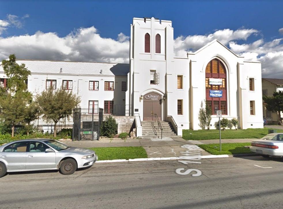 Ataque com faca deixa 2 mortos em Igreja Batista na Califórnia