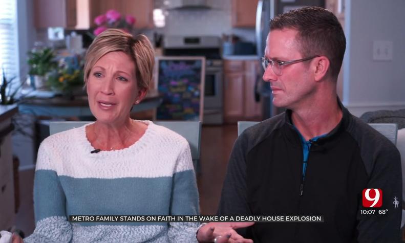 """""""Escolhi crer que Deus é bom"""", diz mãe que perdeu filha em explosão de casa"""