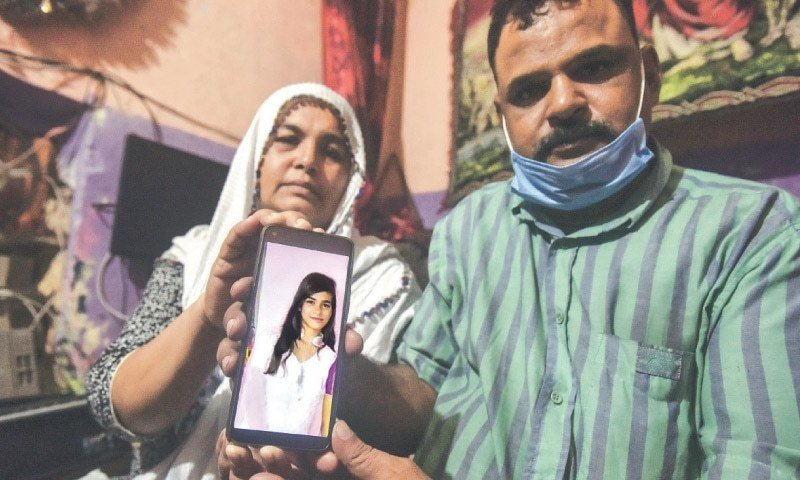 Menina cristã que foi forçada a casamento islâmico é impedida de voltar aos pais