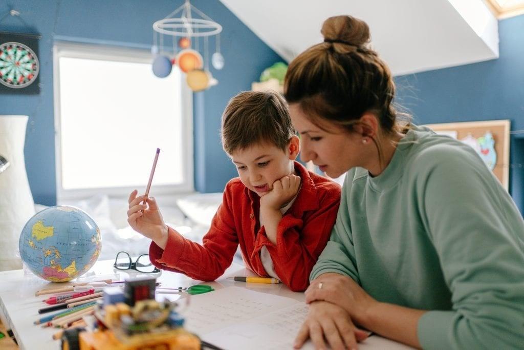 """Distrito Federal aprova em 1º turno projeto que permite """"homeschooling"""""""