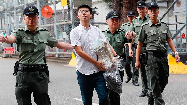 """Prestes a ser julgado, líder cristão de Hong Kong cita Bíblia: """"Me glorio nas tribulações"""""""