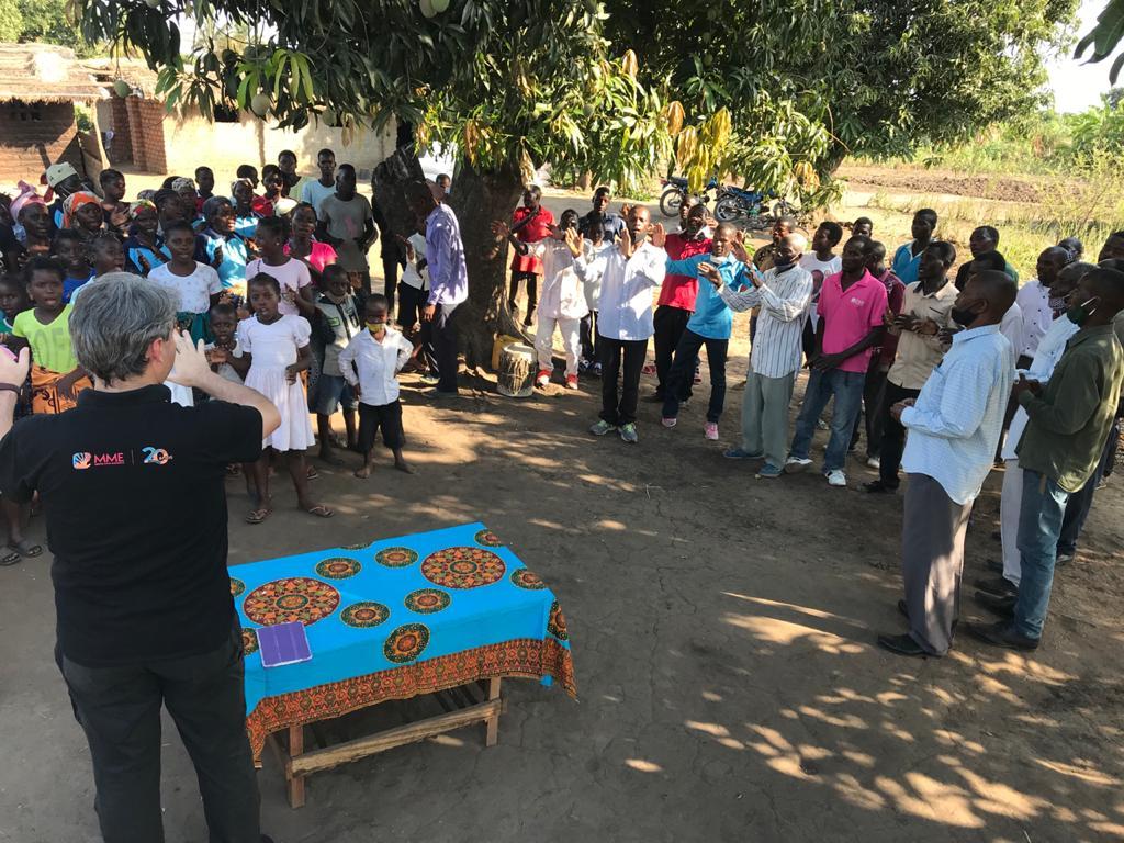 Feiticeira se entrega a Jesus após ouvir o Evangelho por missionário brasileiro
