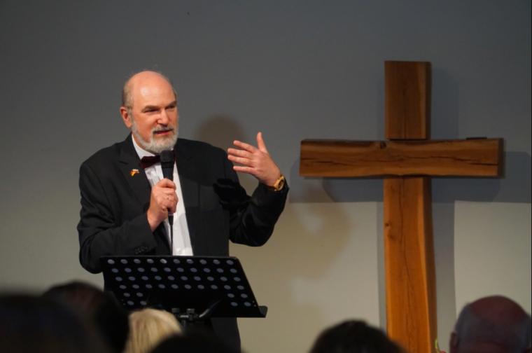 Analfabetismo bíblico é o maior problema da igreja, diz líder da Aliança Evangélica Mundial