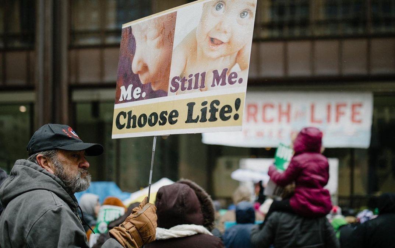Pró-vidas querem evitar mais de 130 mil abortos anuais em 5 estados americanos