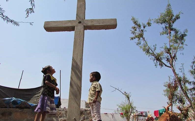 Fiéis são proibidos de fazer cultos na Índia por não 'serem cristãos de nascimento'
