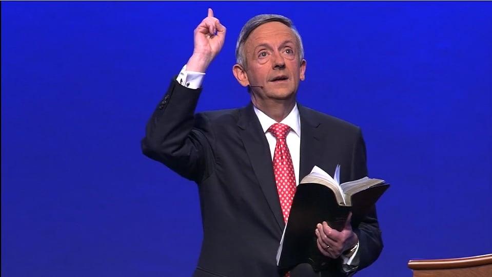 'Biden será presidente dos EUA, mas é Deus quem continua no controle de tudo', diz pastor