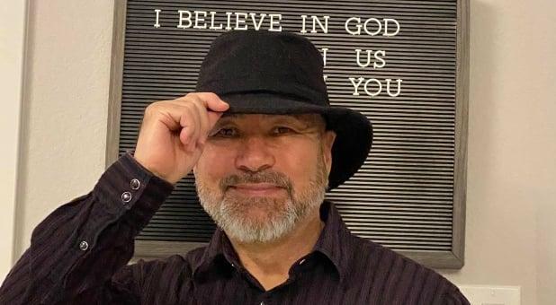 'É preciso lembrar que Deus tem um plano e propósito', diz pastor sobrevivente de câncer