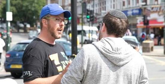 Judeu diz que coragem de cristão em evangelizá-lo o fez entregar sua vida a Jesus