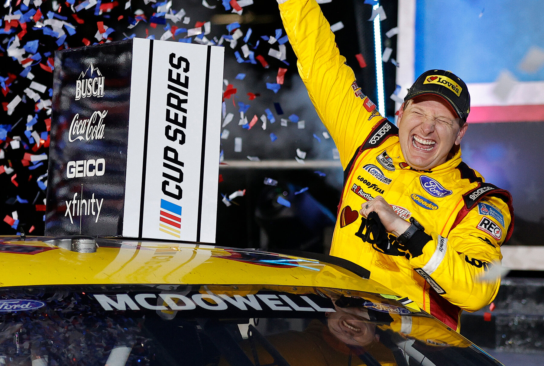 """Piloto da NASCAR diz que clamou a Deus antes de vencer corrida: """"Ele tem tudo nas mãos"""""""