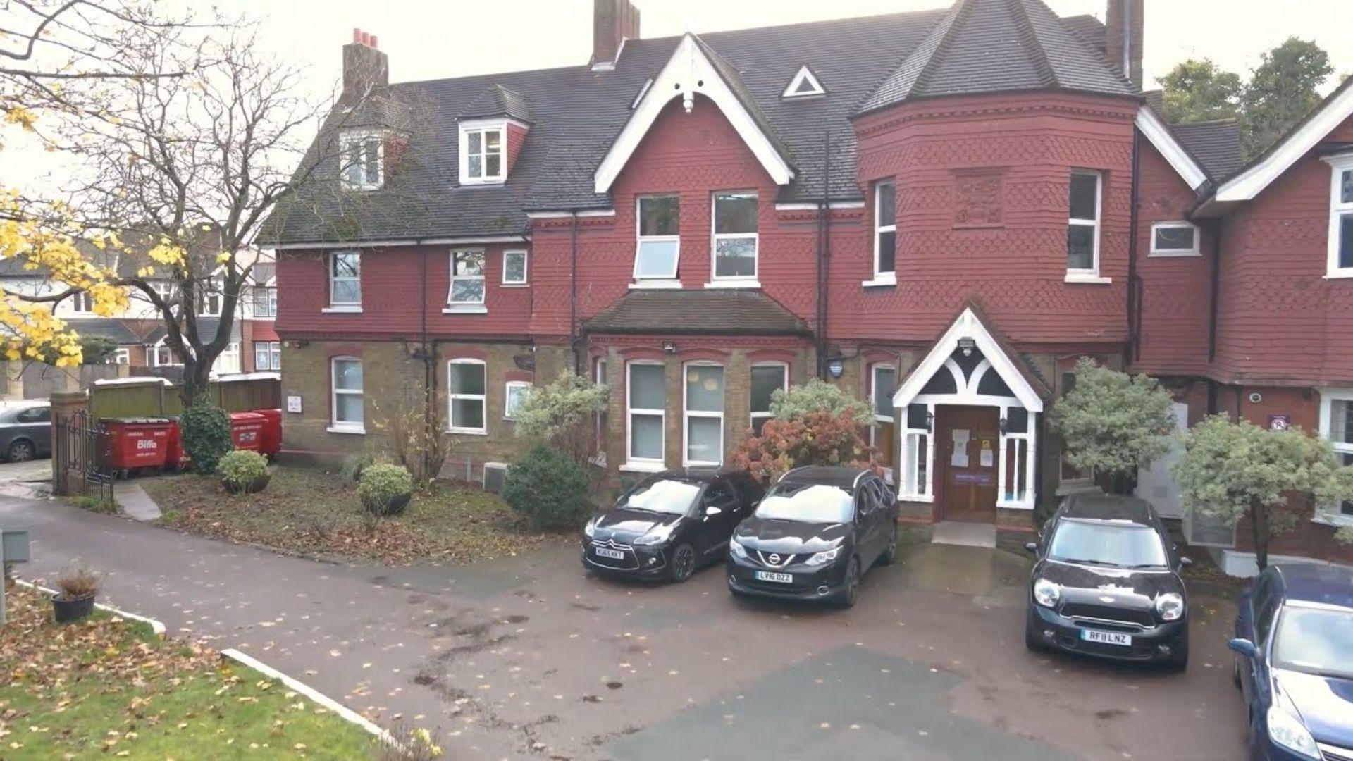 Segunda maior clínica de abortos tardios é fechada no Reino Unido