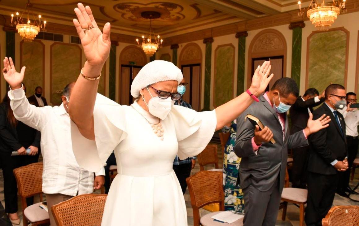 República Dominicana é proclamada 'nação de Deus' em ato no Palácio Nacional
