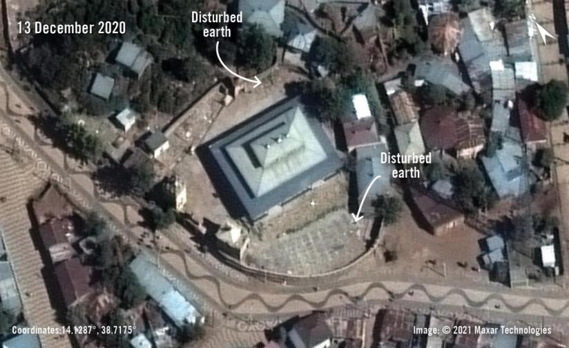 Imagens de satélite mostram valas comuns perto de igrejas massacradas na Etiópia