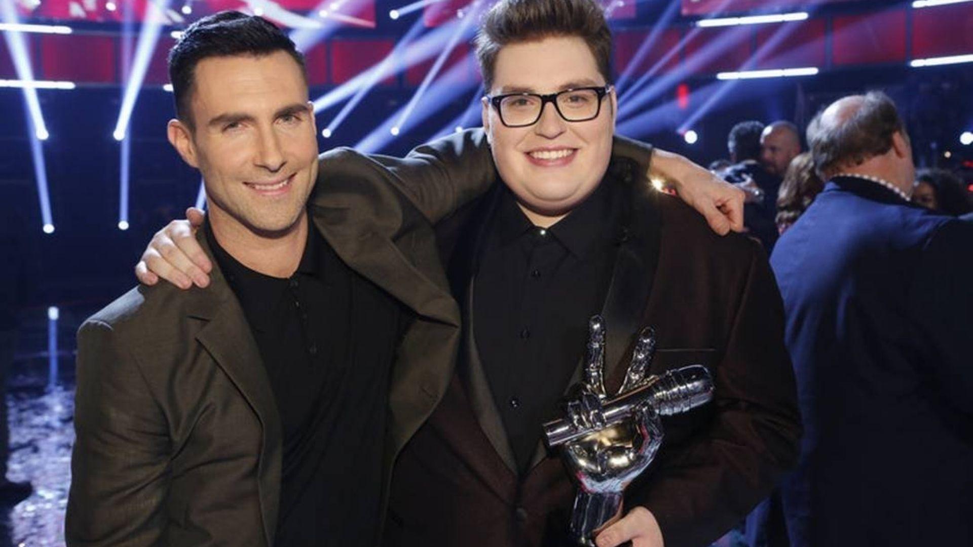 """Vencedor do The Voice EUA quer usar talento para Deus: """"Vou dar a glória de volta a Ele"""""""