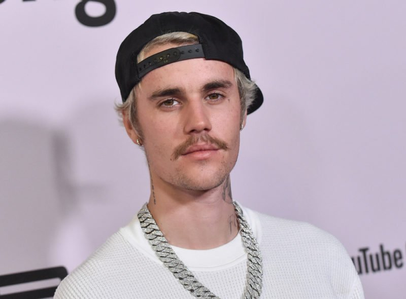 Justin Bieber lança álbum de Páscoa surpresa com Tori Kelly, Judah Smith e Chandler Moore
