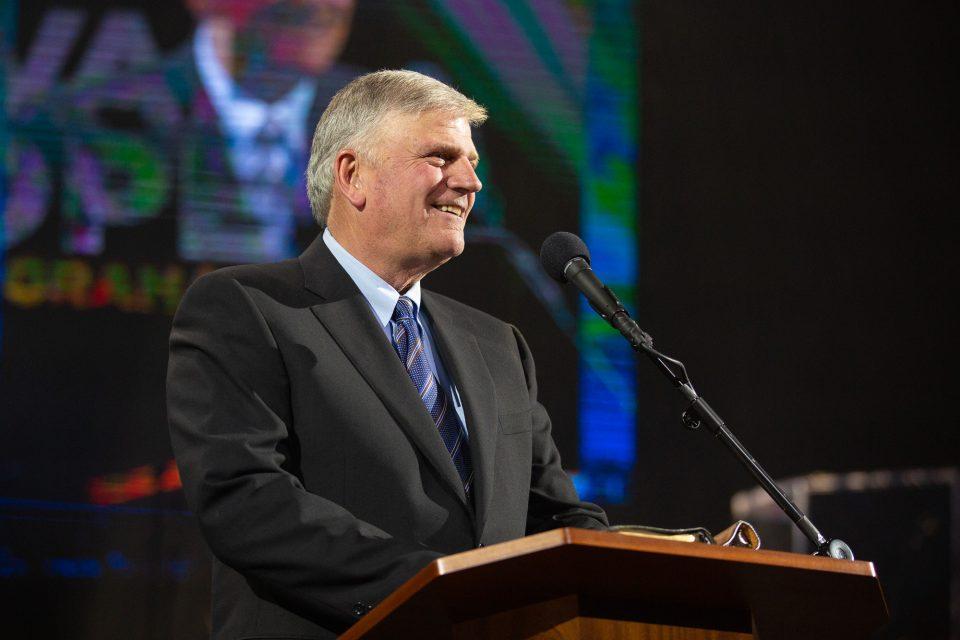 Tribunal decide que Graham foi alvo de discriminação, após anúncio banido no Reino Unido