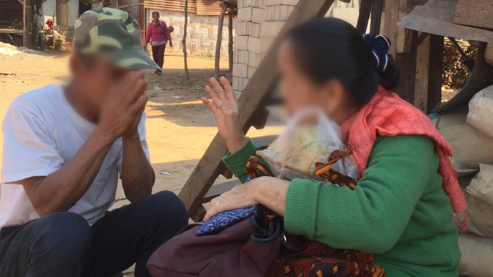 """Budista aceita Jesus e se torna tradutora da Bíblia em Laos: """"Agradeço a Deus por me usar"""""""