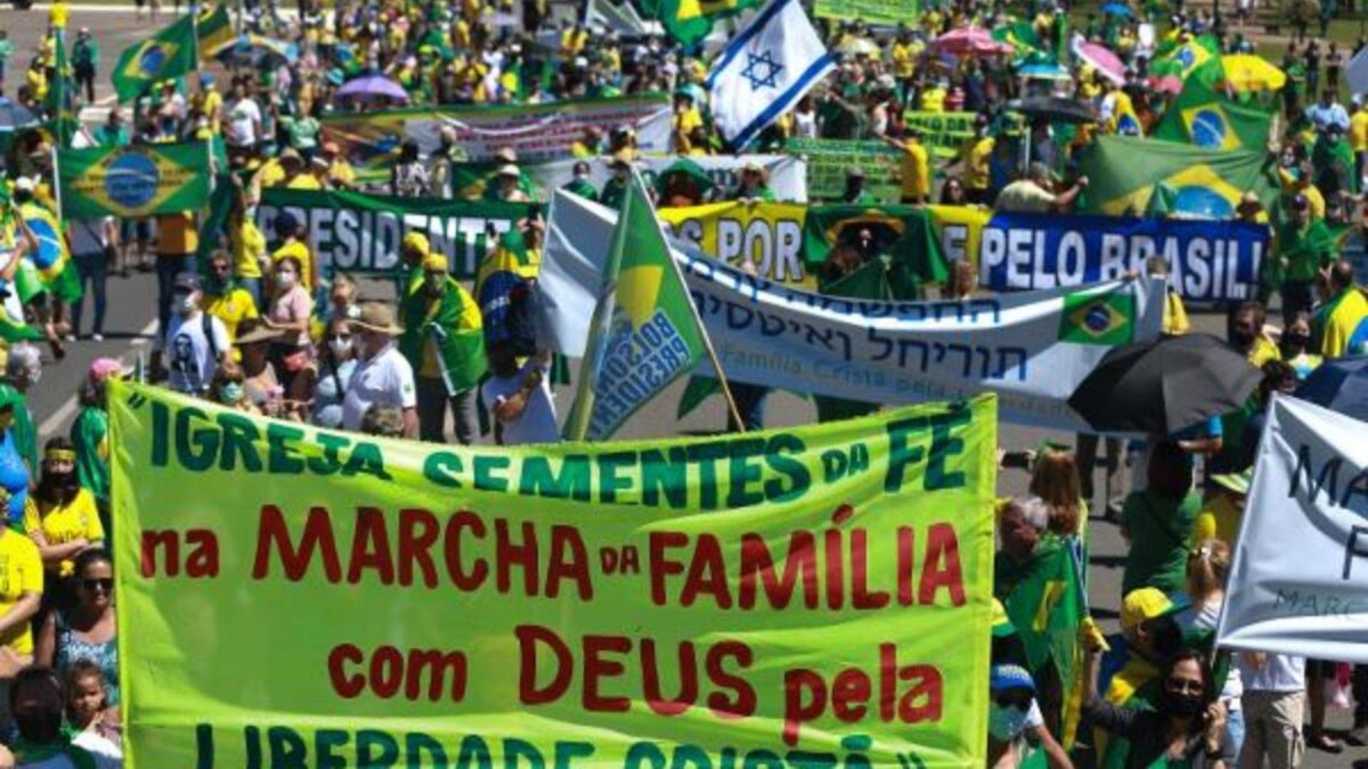 Cristãos vão às ruas protestar contra a decisão do STF sobre as restrições de cultos