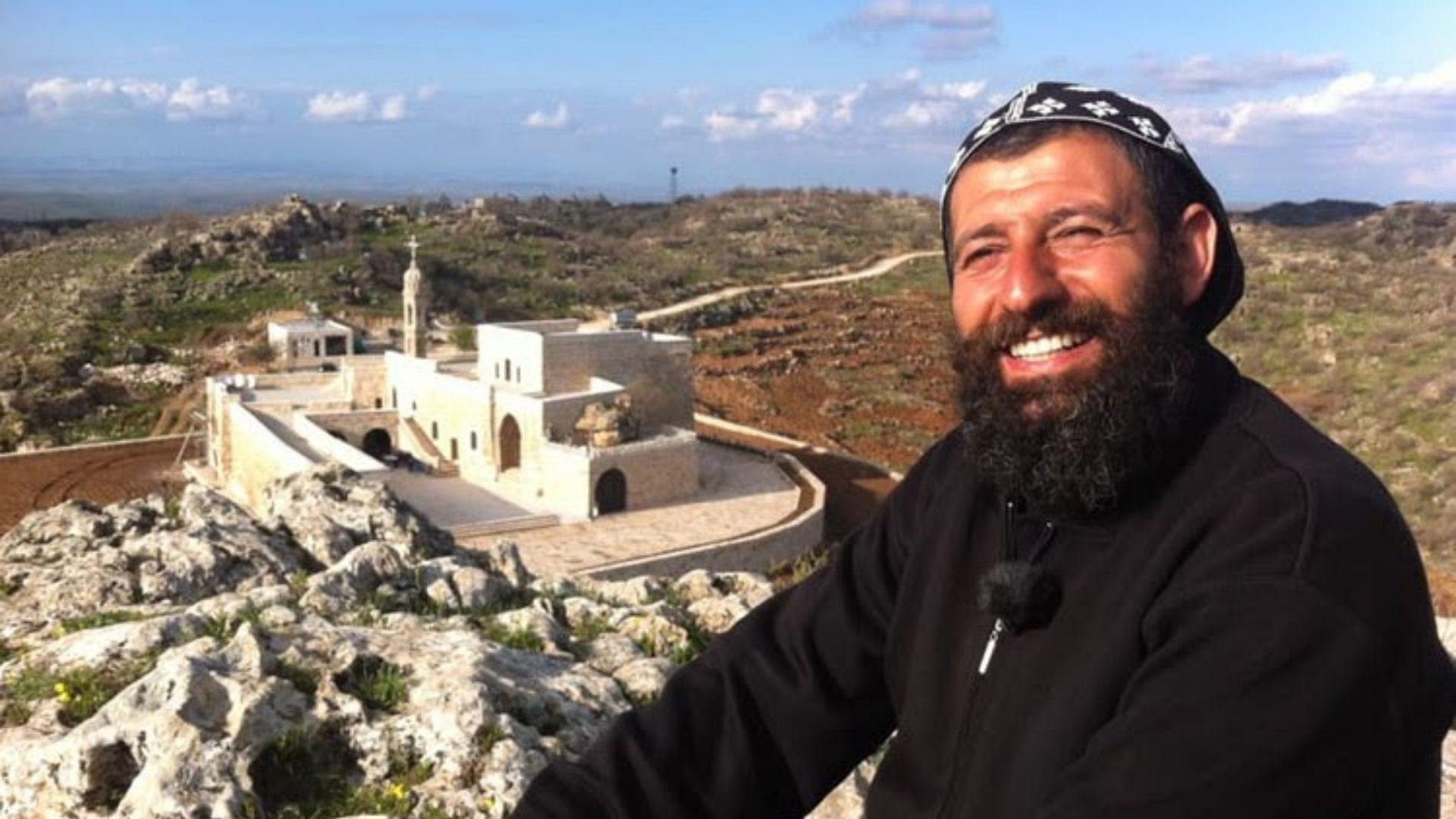 """Padre é condenado a dois anos de prisão na Turquia por fornecer alimento a """"terroristas"""""""